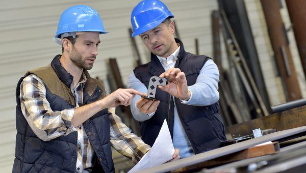 usine-ingenieurs-piece